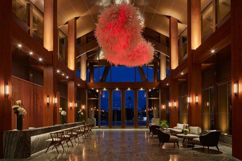 威斯汀酒店大廳洋溢的時尚休閒風。 業者/提供