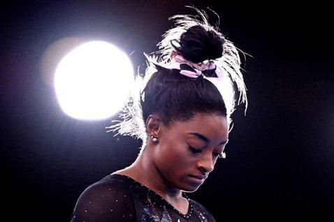 美國體操天后拜爾絲因為心理健康因素,退出東京奧運競技體操女子個人全能項目決賽。 ...