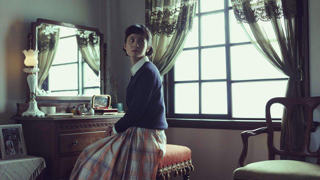 演員連俞涵在時代生活劇「茶金」中詮釋客家千金張薏心,這是她繼「一把青」朱青之後再...