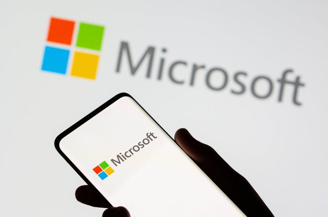 微軟營收與獲利連續第十季超越分析師預期。(路透)