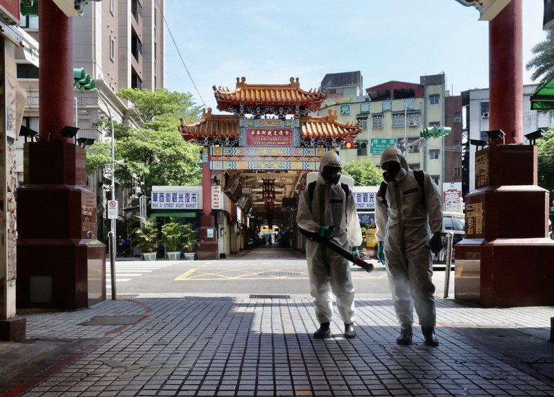 陳秀熙指出,台灣則因染疫者相對少,變成對所有染疫者都過度恐懼,像疫情開始的熱點萬華初始也被汙名化。圖/聯合報系資料照片