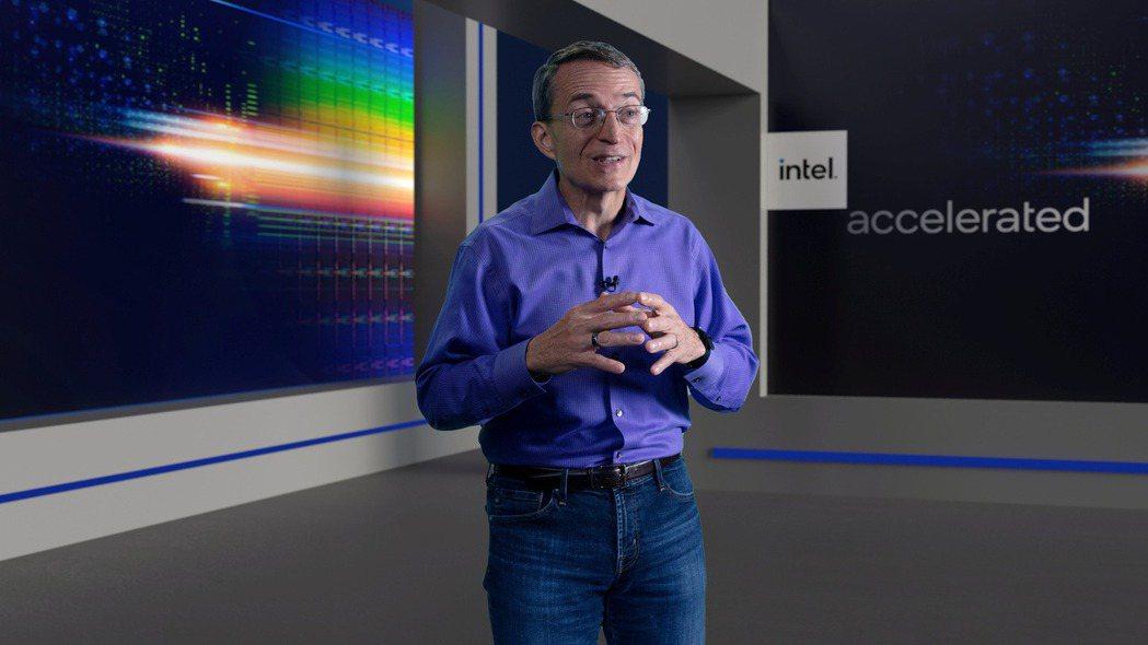 英特爾執行長基辛格全力提升晶片製造技術,希望在四年內超越對手。 路透