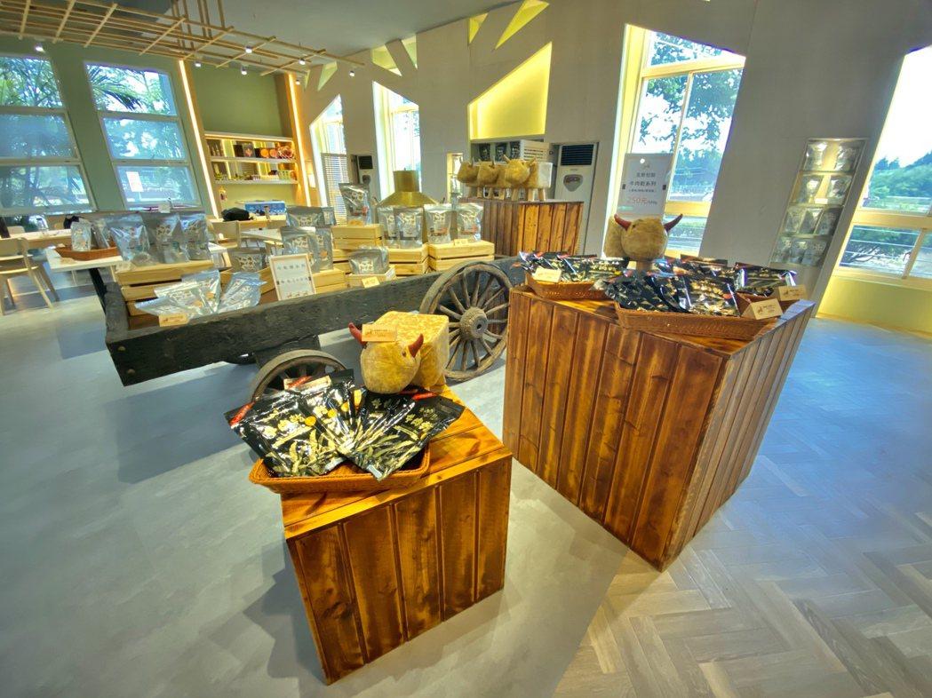 金門畜試所內員工福利社改裝為金牪餐廳、伴手禮專賣店。(圖 ∕ 雄獅旅遊)