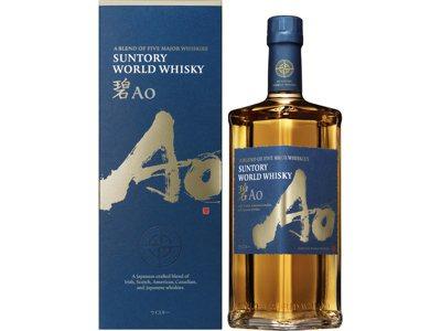 碧(AO)世界威士忌中的酒液,分別來自蘇格蘭、愛爾蘭、美國、加拿大和日本,於全球...