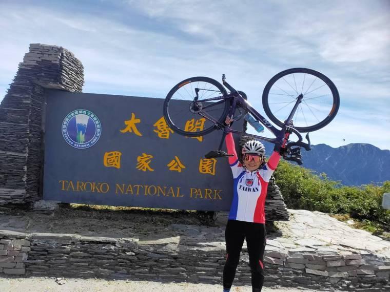 抗癌11年的楊淑敏透過單車挑戰找回自我。圖/楊淑敏提供