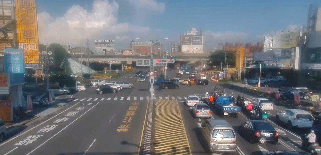 台南市交通局8月2日起將在市區易塞車路段啟動改善計畫。圖/交通局提供