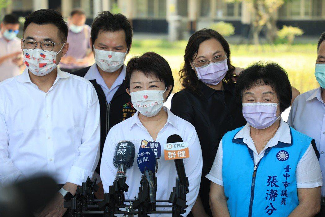 台中市長盧秀燕接受訪問。記者余采瀅/攝影