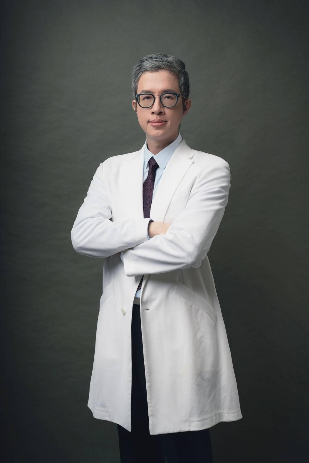 整形名醫法喬醫美診所總院長邱浚彥。圖/法喬醫美整形診所提供