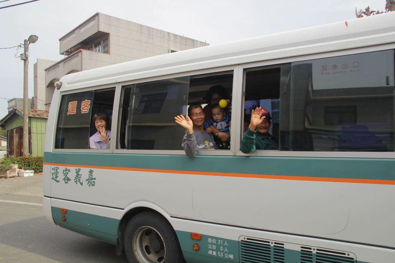 嘉義縣幸福巴士朴子1路(朴子-樹林頭路線),去年1月底通車營運,環狀線8月1日上路營運。圖/嘉縣府提供