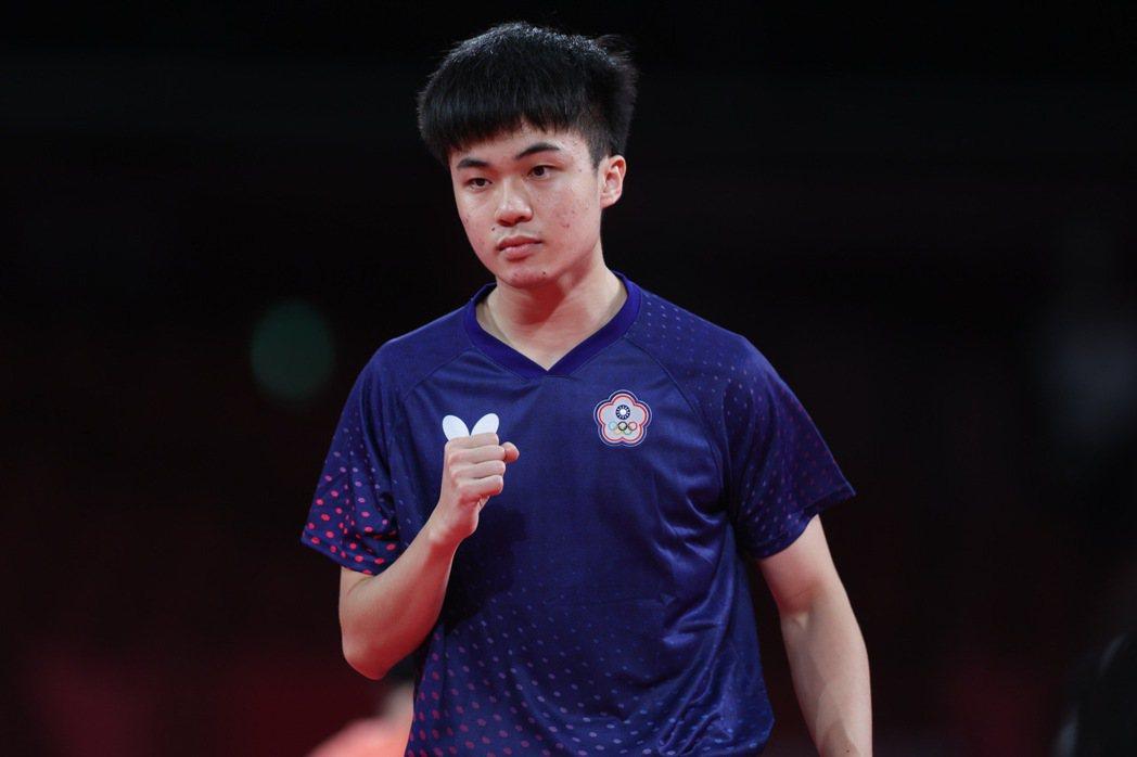 台灣桌球好手林昀儒在東京奧運男單八強戰直落四擊倒對手,挺進四強戰。特派記者余承翰