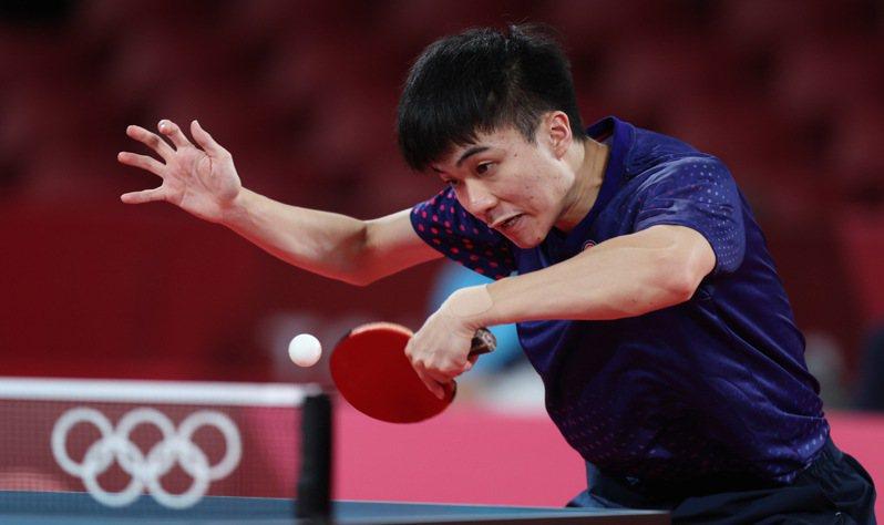 台灣桌球好手林昀儒在東京奧運男單八強戰直落四擊倒對手,挺進四強戰。 特派記者余承翰/東京攝影