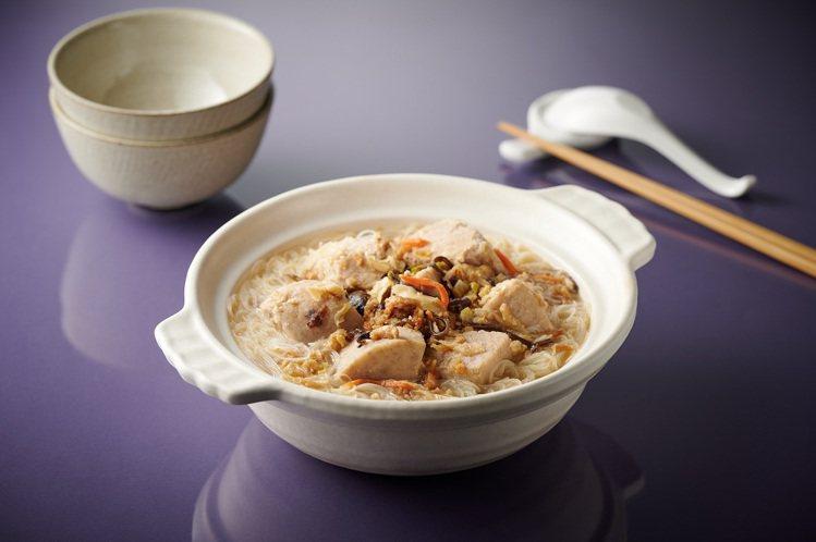 芋頭炊粉湯,售價179元,芋頭的鬆香口感,搭配精煉的豬大骨高湯,與炊粉烹煮後,呈...