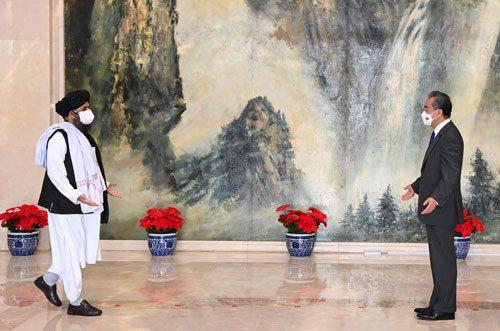 阿富汗塔利班政治委員會負責人巴拉達爾承諾,決不允許任何勢力利用阿富汗領土做危害中國的事情。(取自大陸外交部網站)