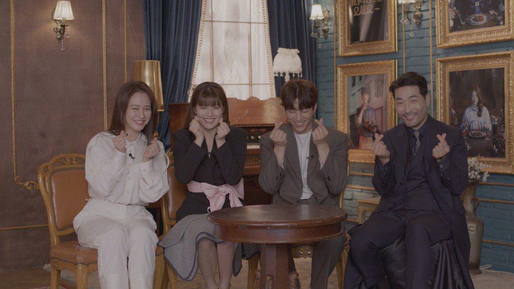 宋智孝(左起)、南志鉉、蔡鍾協以及河道權為了新劇「來魔女食堂吧」接受friDay