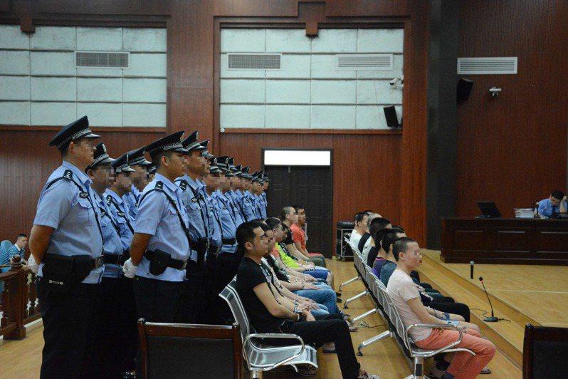 2006年被中共人員綁架的徐章國與朱恭訓兩人,在2009年由廣西法院宣布判決無期徒刑。圖為示意圖,非新聞當事人。中新社