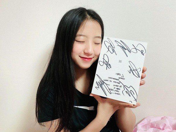 申玉斌曾收過防彈少年團的簽名專輯。圖/摘自申玉斌IG