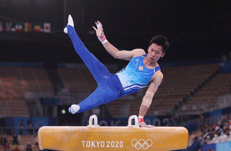 「鞍馬王子」李智凱昨(28日)晚在東京奧運個人體操全能賽中,壓軸的鞍馬出現兩次失誤。特派記者余承翰/東京攝影