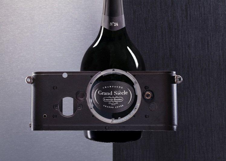 嶄新的夥伴關係將為徠卡用戶提供獨特的訂製體驗,感受美酒和攝影藝術相互碰撞的熱情。...