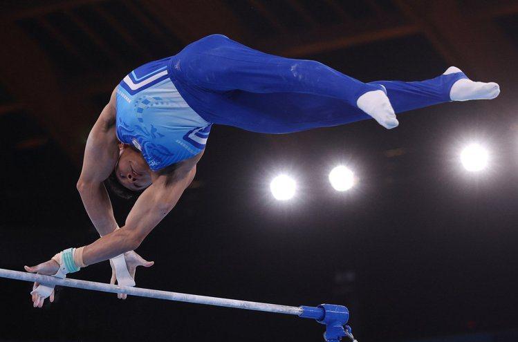 單槓項目是唐嘉鴻的強項,因此在這個項目讓他獲得高分。特派記者余承翰/東京攝影