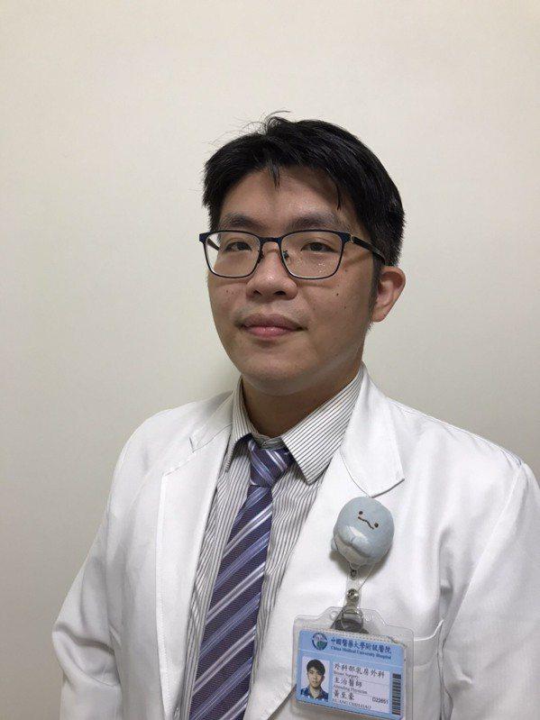 黃至豪醫師勉勵晚期乳癌病友不要輕言放棄,乳癌是長期抗戰,與醫師配合的情況下,依然...