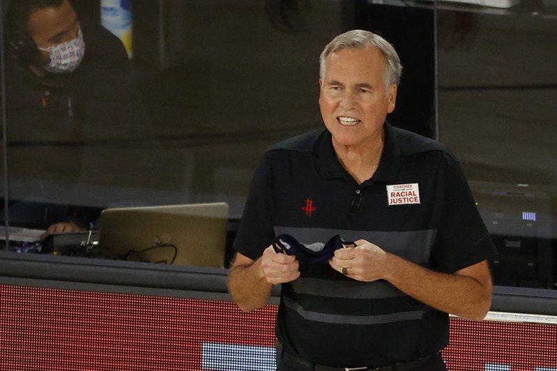 籃網總教練奈許(Steve Nash)宣布,下賽季陣中助理教練丹東尼(Mike D'Antoni)將離開教練團。 法新社