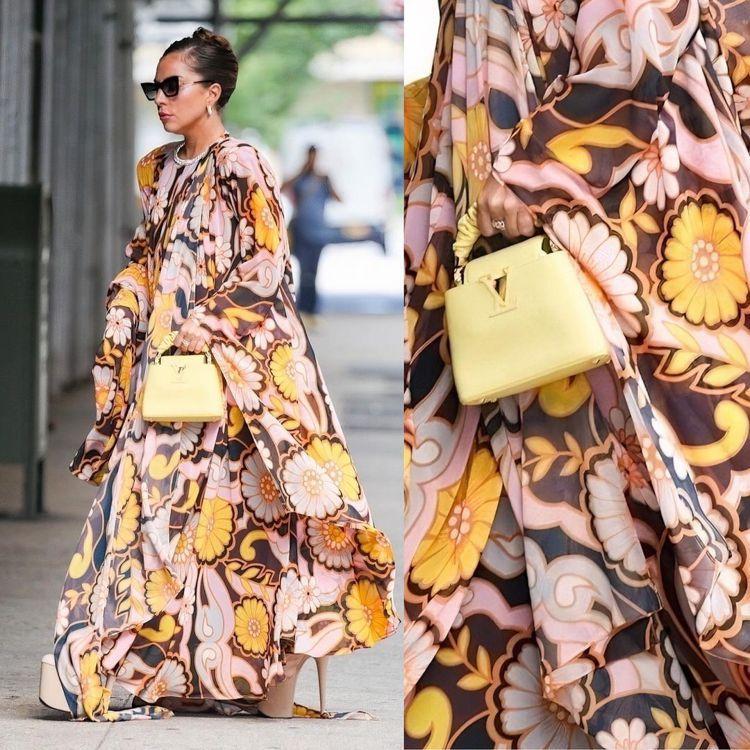 Lady Gaga輕鬆駕馭Richard Quinn的高調印花服裝,手拎LV的C...