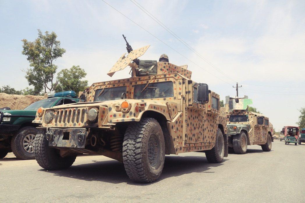 「阿富汗塔利班絕不允許任何勢力,利用阿富汗的領土,作危害中國的事情!」 圖/路透...