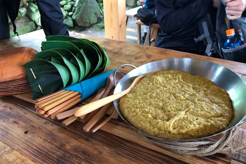 崁頂部落的傳統小米飯。 圖/作者提供