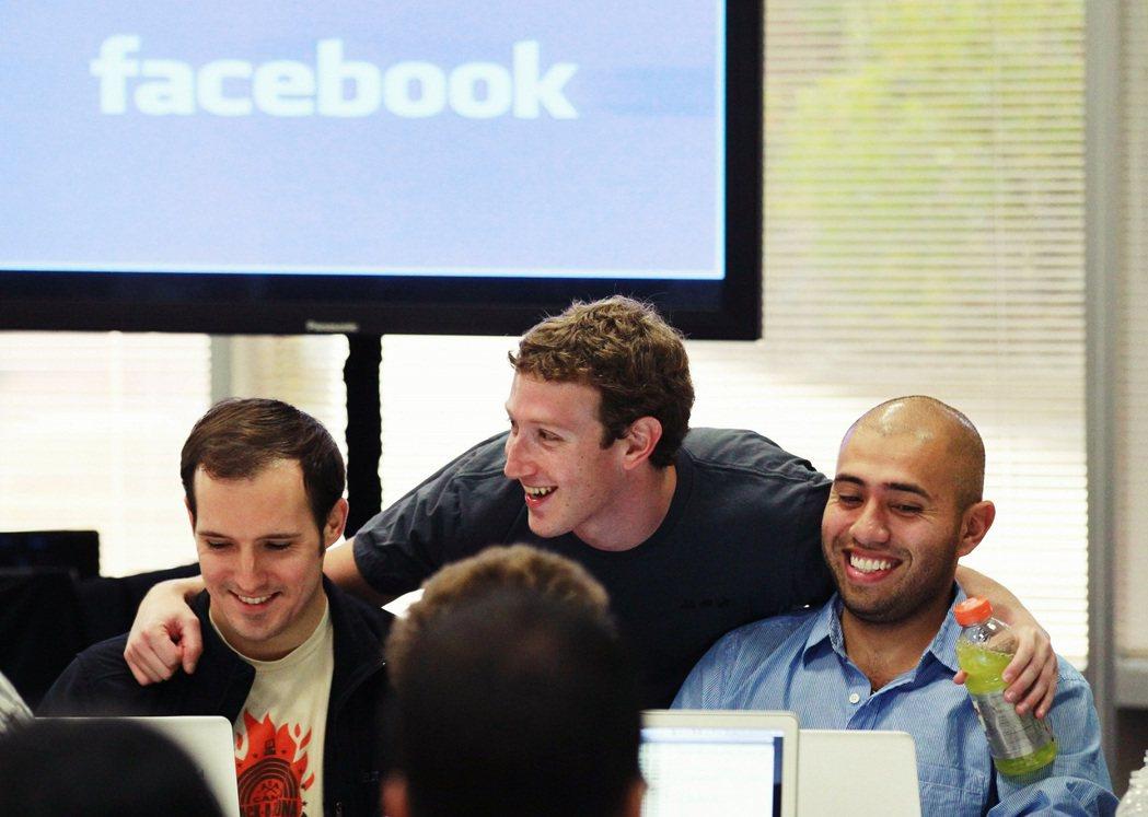對於和媒體爆料公司內部消息的吹哨者,臉書向來絕不寬貸,還設有抓內鬼的專責部門。 ...