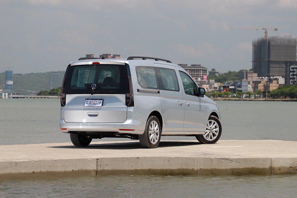 全新第五代Caddy Maxi提供汽油渦輪TSI Life、渦輪柴油TDI Li...