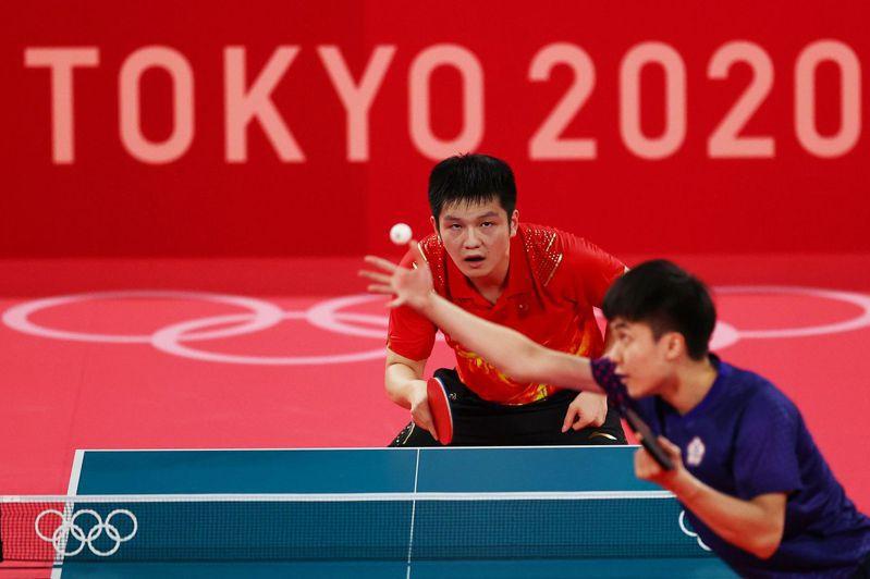 台灣好手林昀儒把球王樊振東逼到第七局。 路透社