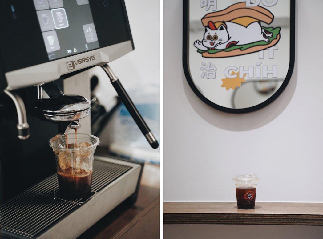 五吉咖啡除了強打大份量三明治,也與信賴的台北咖啡品牌合作,以中深烘焙咖啡豆現場沖...