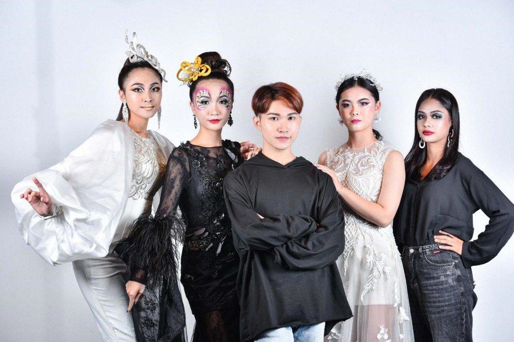 林昭佑參加商業新娘妝、創意新娘妝、舞台妝、煙燻妝四項比賽,均榮獲台灣代表隊伍中成...