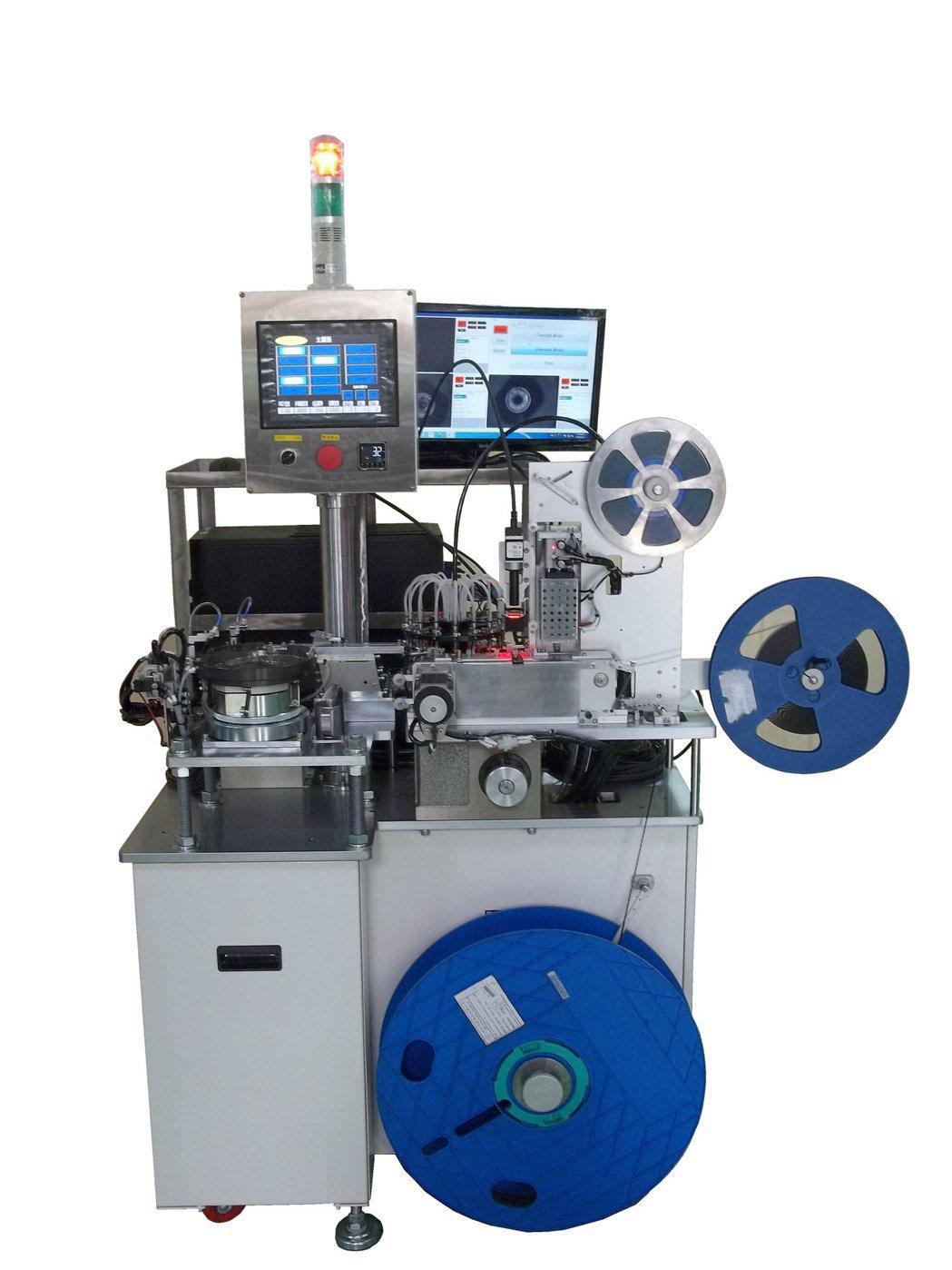視覺檢查自動封包機專門設計用於電子產業,零件微小晶片需檢測正反向良品及不良品,特...