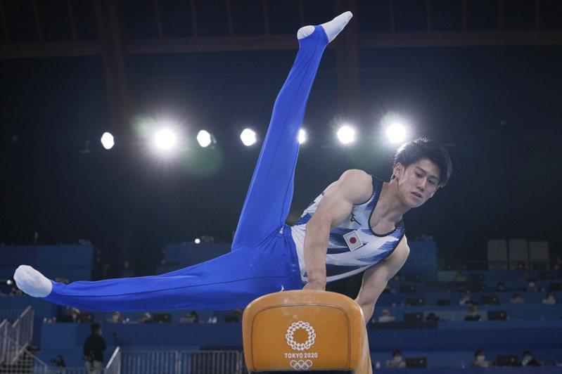 日本19歲新星橋本大輝以總分88.465成績在體操男子個人全能決賽奪金,是日本在此項目連3屆奪金牌。美聯社
