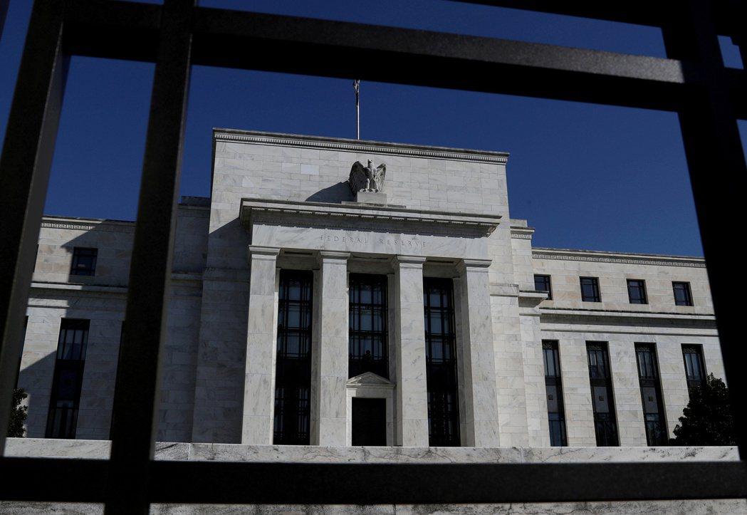 經濟學家認為,Fed最新決策聲明並未特別強調Delta新冠變種病毒導致疫情再起,...