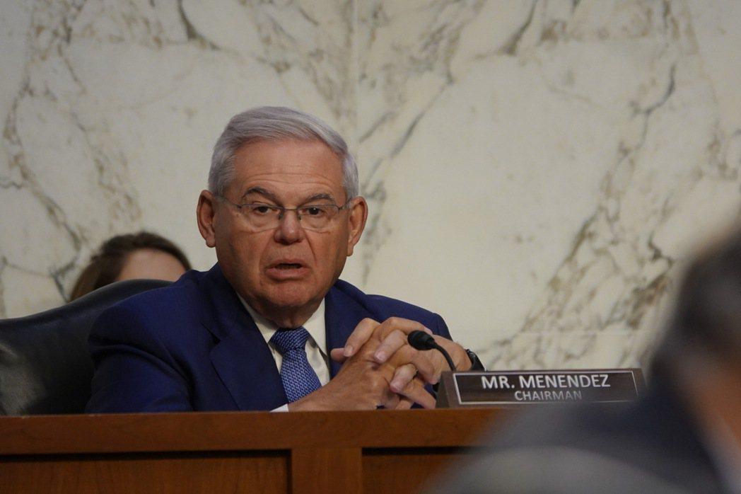 美國聯邦參議院外交委員會主席梅南德茲(Bob Menendez)。本報資料照片。...