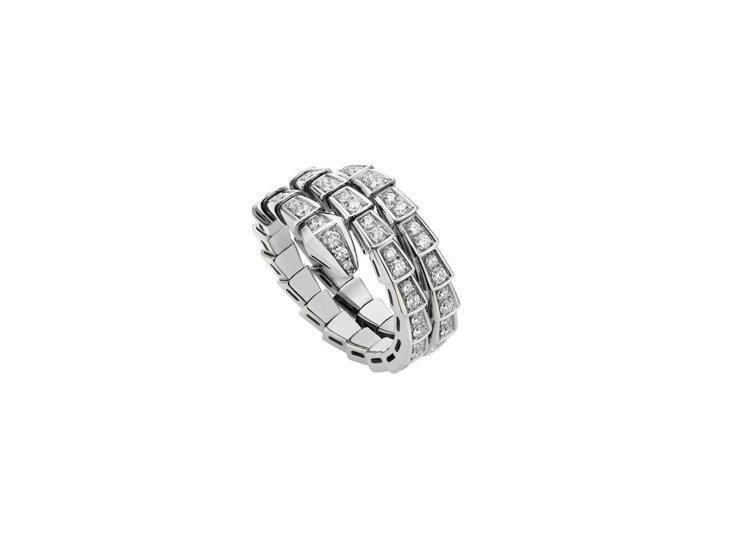 BVLGARI Serpenti Viper白金鑽石戒指,約40萬6,200元