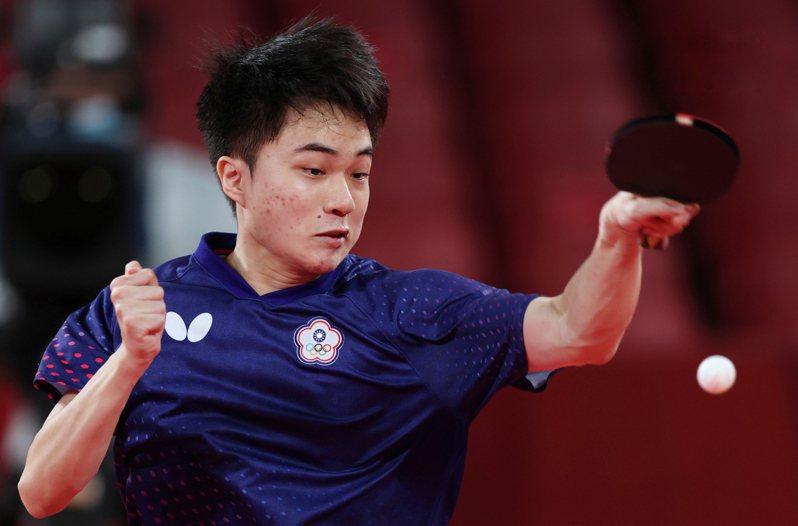 台灣19歲桌球好手林昀儒在東京奧運四強戰遇上球王樊振東,特派記者余承翰/東京攝影