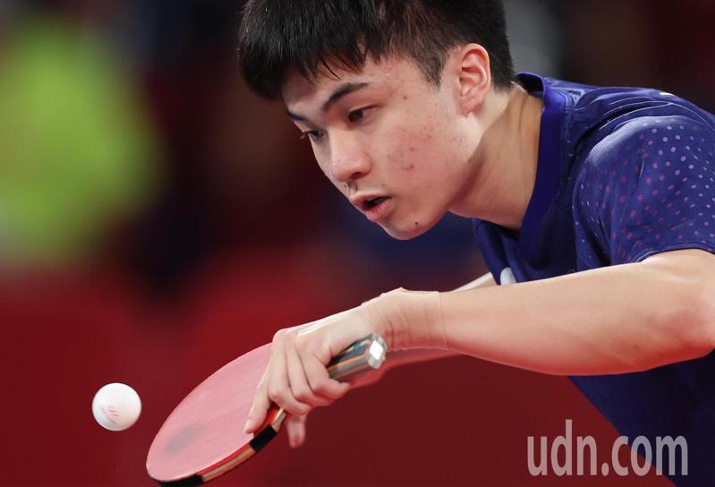 我國桌球小將林昀儒今天在東京奧運男子單打四強賽面對「世界球王」苦戰7局惜敗。特派記者余承翰/東京攝影
