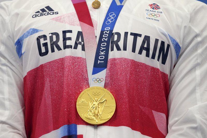 奧運金牌的價格引起討論。美聯社