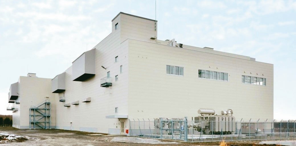 住友電工在北海道建置的全釩液流電池儲能系統。台灣住友商事/提供