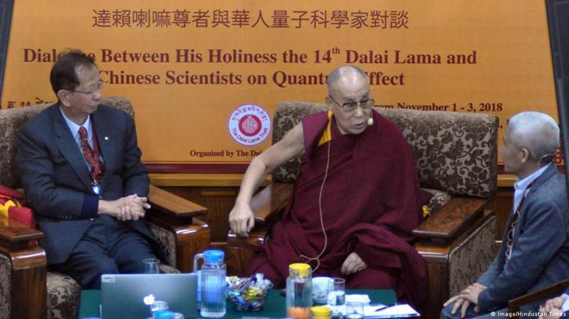 超過百名諾貝爾獎得主本周三(7月28日)在網上發表聯署聲明稱,中國曾試圖阻擋西藏精神領袖達賴喇嘛及台灣中研院前院長李遠哲在4月26日至4月28日舉行的諾貝爾獎峰會期間發表演說。圖/德國之聲中文網
