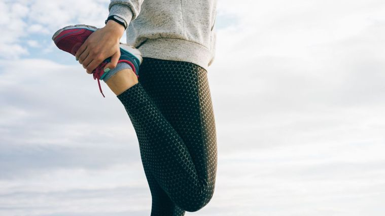 影片中每個動作30秒,主要會訓練到下肢肌耐力及核心肌群。圖/Canva