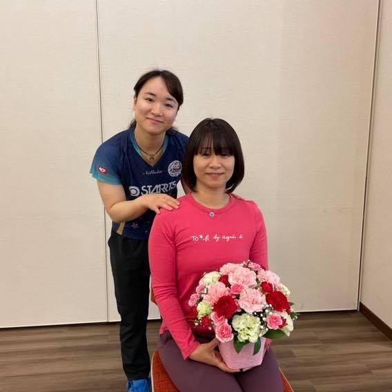 伊藤美誠(左)出色的球技,歸功於母親伊藤美乃(右)自小嚴厲的教誨。圖擷取自FACEBOOK