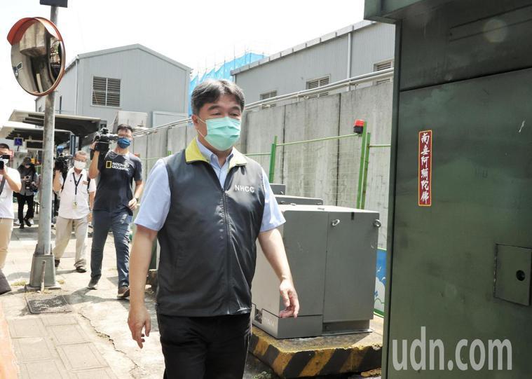 圖為之前王必勝前進環南市場指揮所畫面。記者曾原信/攝影
