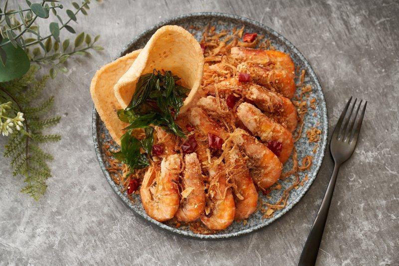 「蝦兵蟹將」之避風塘白蝦擺盤。 台北福華/提供
