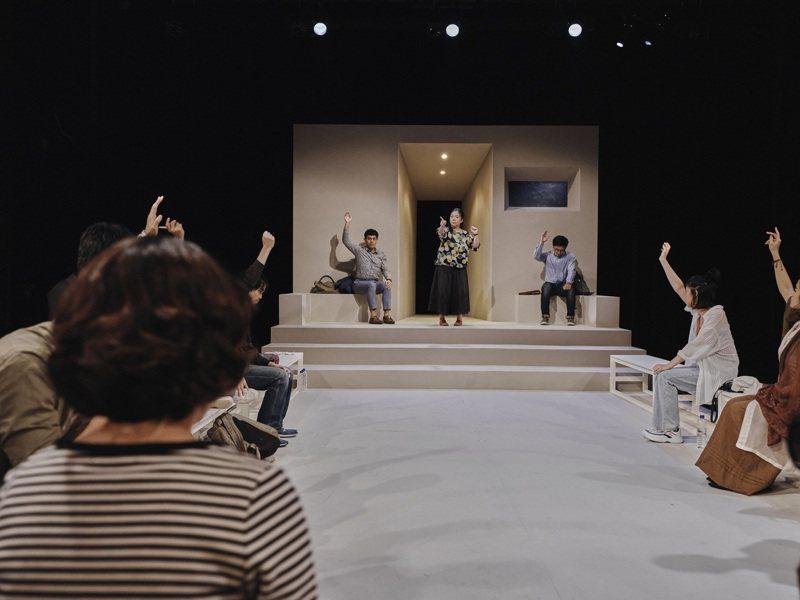 十貳劇場劇團《12》,已在LINE TV數位劇場開放訂閱觀看。圖/十貳劇場劇團提供