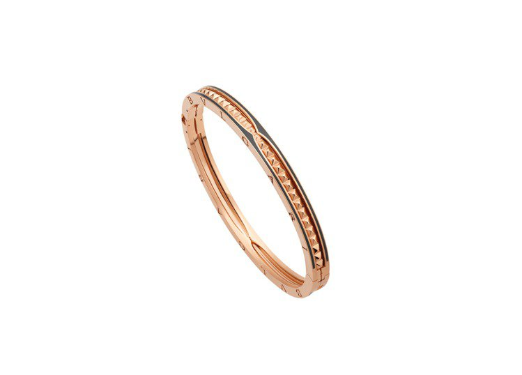 BVLGARI B.zero1 Rock系列玫瑰金黑陶瓷手環,約26萬元。圖/寶...