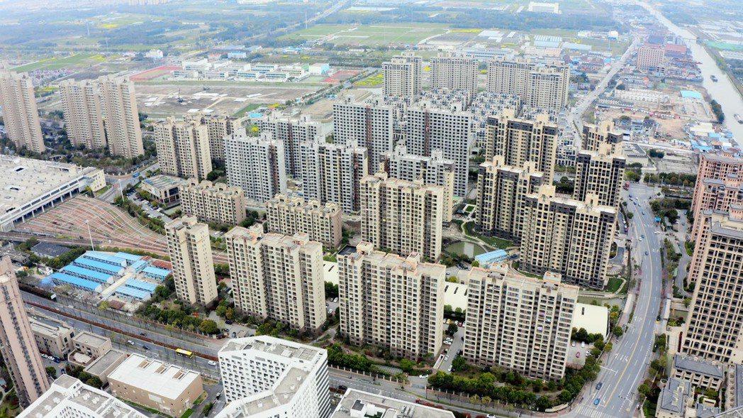 鼎固-KY(2923)總經理張能耀今(29)日在股東會後表示,去年集團在旗下建案...